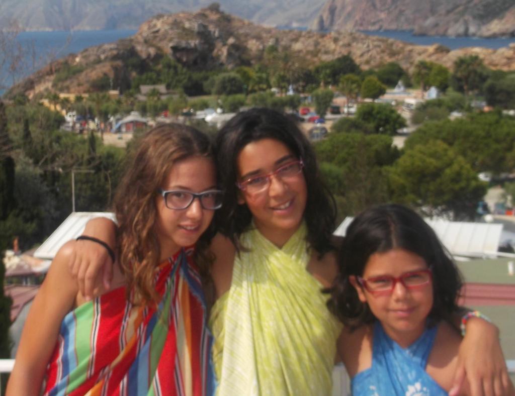 Marta, Laura y Andrea (i-d)