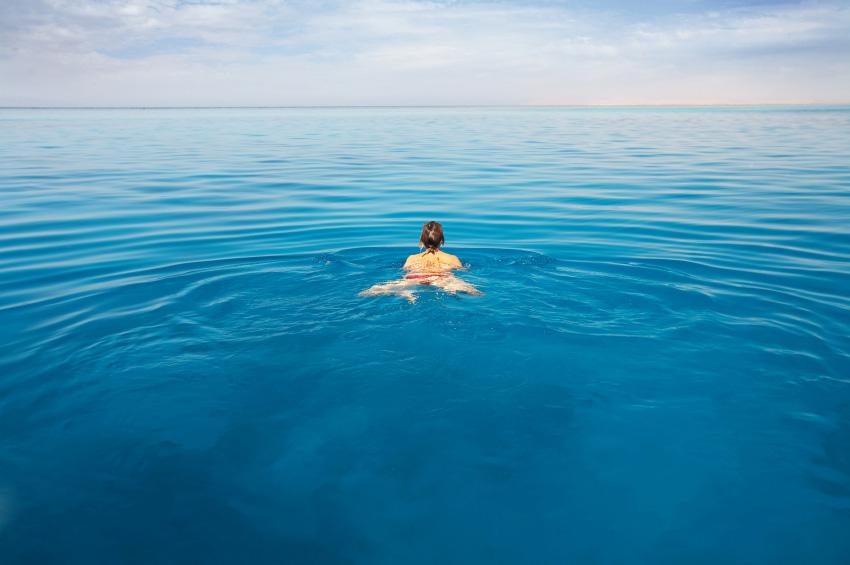 Beneficios-de-nadar-en-el-mar